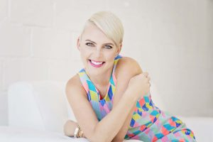 Renowned Stylist, Kelly Lundberg Signs with Talent Agency, Onstage International.